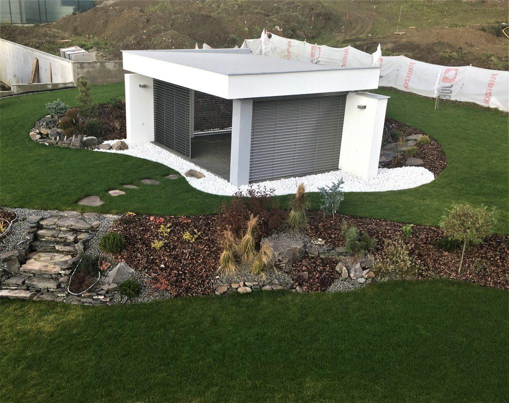 realizacia moderneho murovaneho altanku